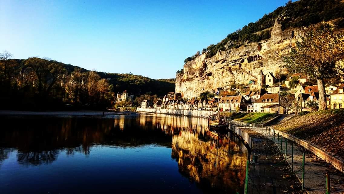 Séjourner proche du village de la roque gageac